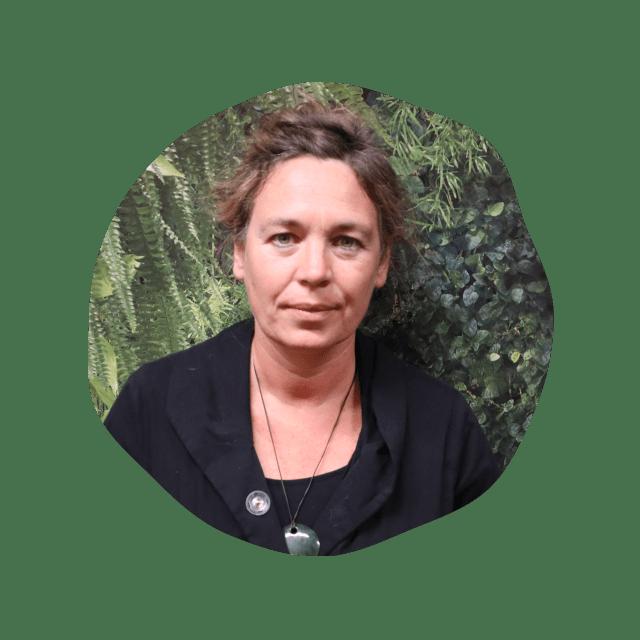 Barbara Hell  | Spécialiste en communication